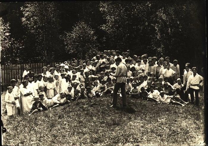 Общее собрание воспитанников, 1921 год.